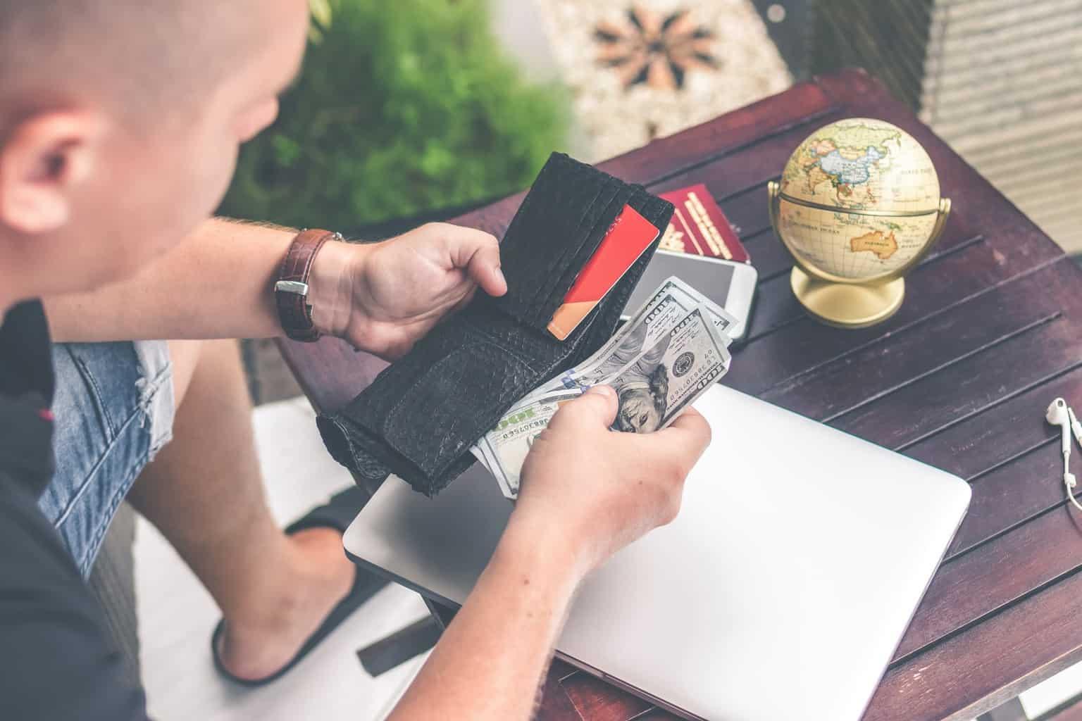 収益構造からマッチングアプリを攻略する裏技